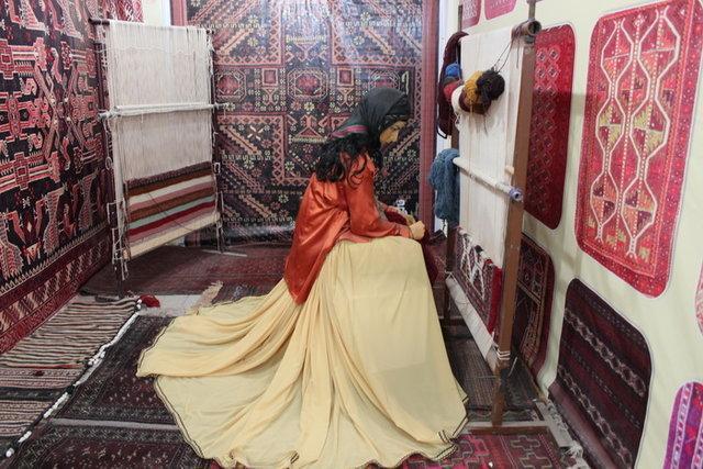 دو نمایشگاه صنایع دستی سیستان و بلوچستان در تهران