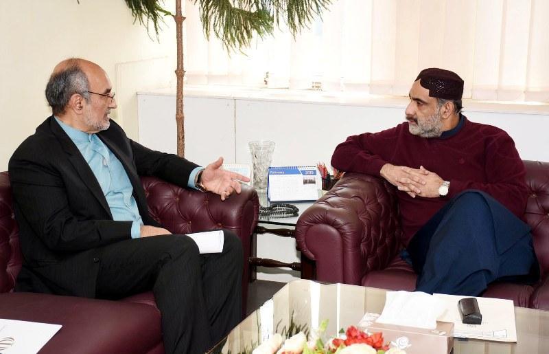 ایران و پاکستان زمینه های فراوانی برای گسترش تجارت دارند
