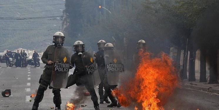درگیری پلیس یونان با جوانان معترض