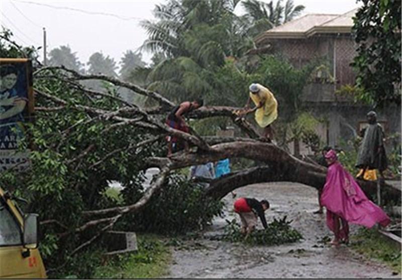 فرار ده ها هزار نفر از مردم ویتنام از خانه های خود درپی طوفان ناری