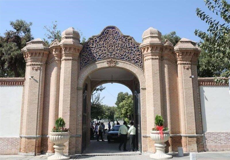 درب تاریخی پلیس آگاهی تهران بزرگ رونمایی شد ، تاکید بر مرمت عمارت کلاه فرنگی