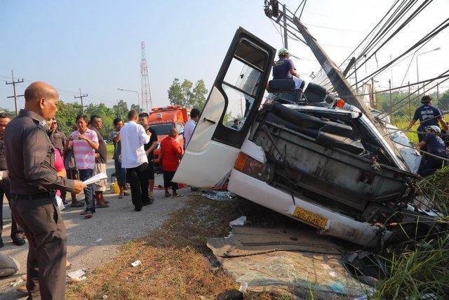 واژگونی مرگبار اتوبوس در ویتنام