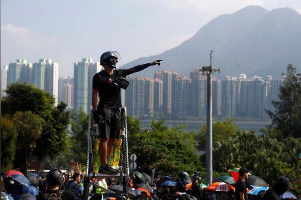 اعتراضات و خشونت در هنگ کنگ ادامه دارد
