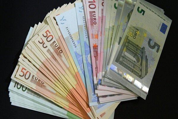 جزئیات قیمت رسمی انواع ارز، نرخ یورو کاهش و پوند افزایش یافت