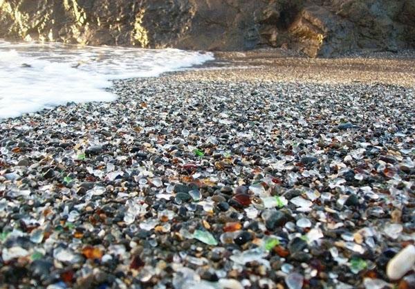سواحل شیشه ای در کالیفرنیا