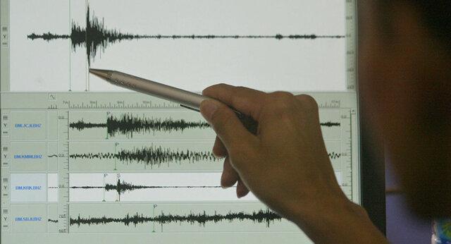 ارسال اقلام زیستی به مناطق زلزله زده خانه زنیان، مداوای 11 مصدوم