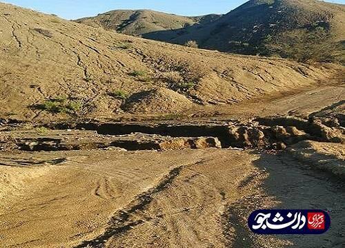 یکی از جاده های روستای فراهک در جریان سیلاب هرمزگان از بین رفته است ، مسئولان رسیدگی کنند