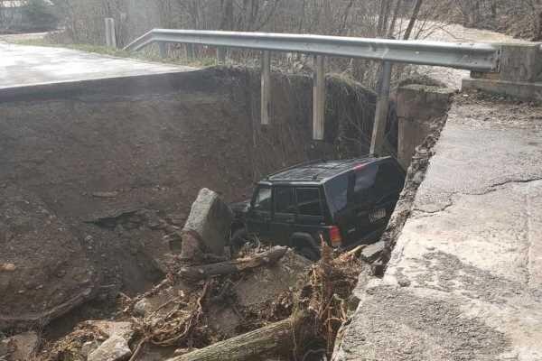 ریزش پل در ایالت ایندیانای آمریکا، شش تن کشته شدند