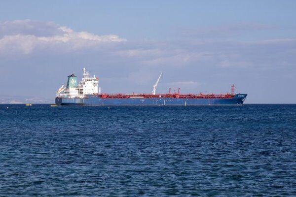 رویترز: آمریکا 40 نفتکش را به دلیل همکاری با ونزوئلا تحریم می کند