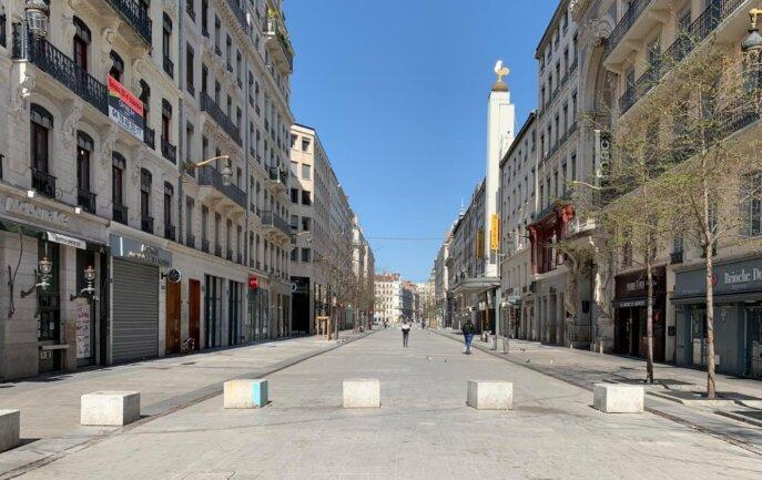 سقوط 12 درصدی اقتصاد فرانسه تحت قرنطینه جدید کرونا