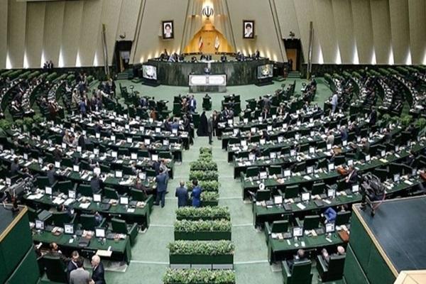 آذری جهرمی و حاجی میرزایی به مجلس می فرایند