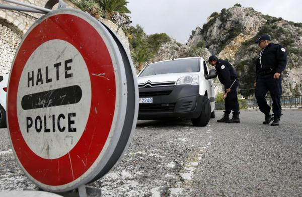 خبرنگاران نظارت های مرزی جدید فرانسه در پی افزایش آمار مبتلایان به کرونا