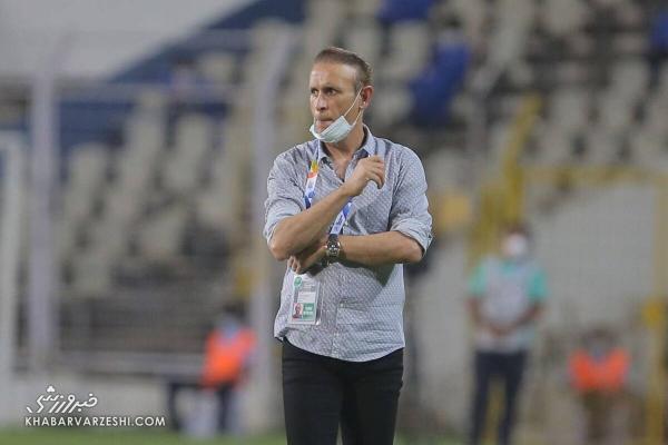 گل محمدی: سازمان لیگ در نیم فصل همه کار برای استقلال کرد، شاید از قهرمانی پنجم پرسپولیس می ترسند!
