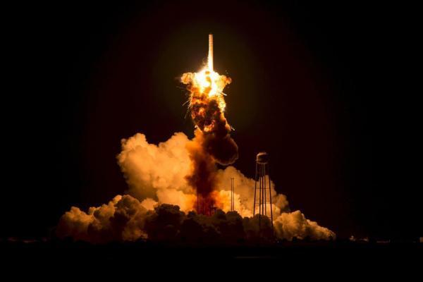 سقوط راکت چینیِ 21 تُنی به زمین؟