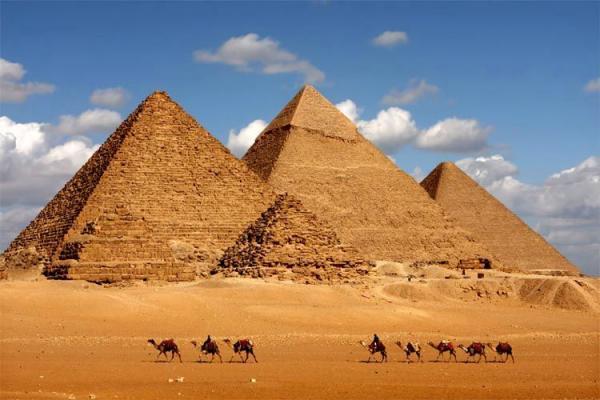 ساخت اهرام ثلاثه مصر در دنیای مجازی