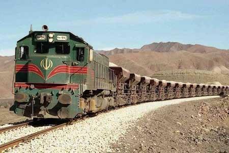 خروج قطار باری از ریل در ایستگاه یاتری ، 3نفر مجروح شدند